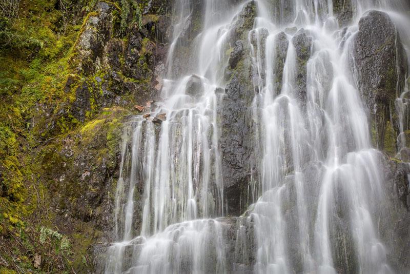 20160505-MtRainier-Falls-2489-16x24